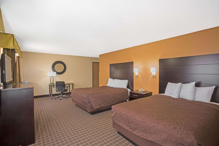01718_guest_room_4