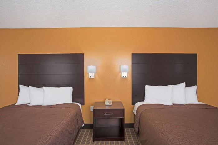01718_guest_room_5